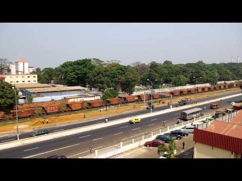 . Train de Bauxite à Conakry