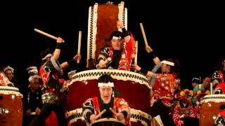 Repeat youtube video Yamakiya Taiko - kids drum group from Fukushima 山木屋太鼓 at 明治神宮