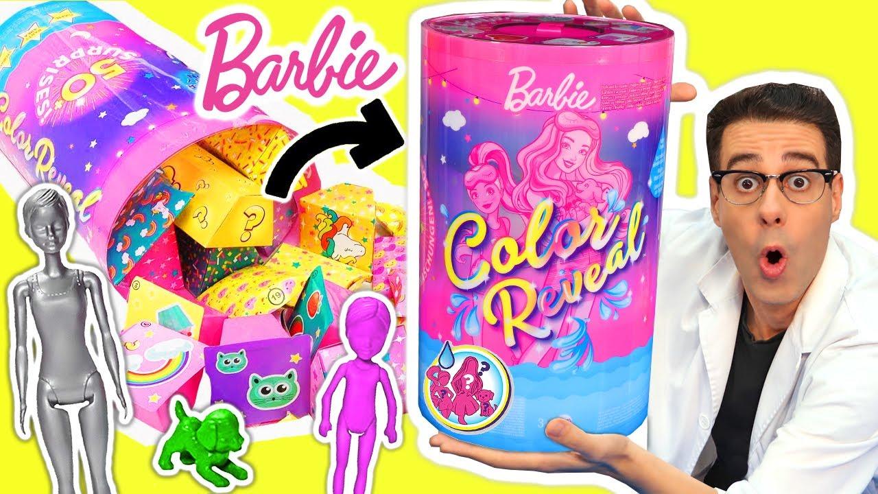 ABRO 50 SORPRESAS de BARBIE COLOR REVEAL con Barbies Mágicas y Juguetes | Curiosidades con Mike