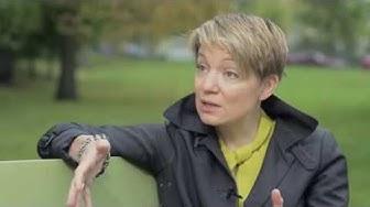TSUNAMITARINAT Katri Makkonen