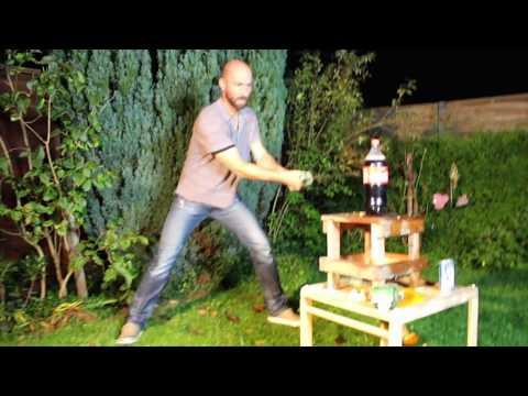 Experiment - SAMURAI SCHWERT vs COCA COLA!! OMG!😱