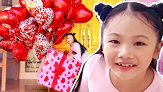 Bug Makes the Happiest Valentines Party Ever ! Little Big Toys