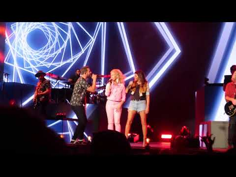 """Little Big Town Sings """"Stay All Night"""" LIVE At Darien Lakes Amphitheater  8/16/18"""
