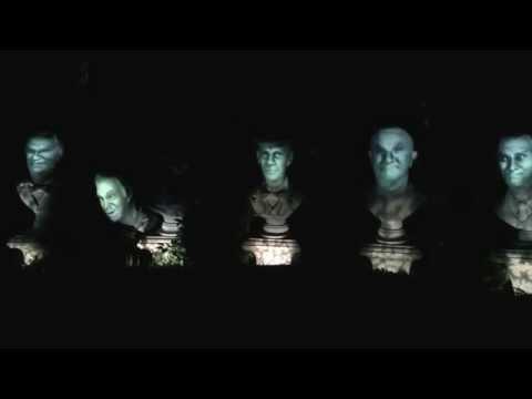 Grim Grinning Ghosts Singing busts, Haunted Mansion Disneyland.
