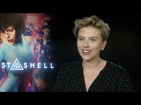 Scarlett Johansson on Pilou Asbæk and Ghost in the Shell