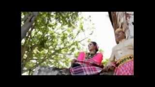 SULAWESI PARASANGANTA Badar Picunang Feat. Machica Mochtar