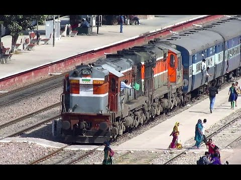 Double Diesel Take Off - Chandigarh Bandra Chandigarh Superfast LDH WDM-3A twins