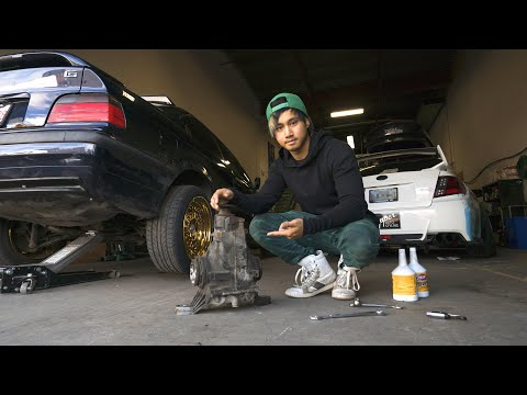 Download Installing a Welded Diff into the E36 Drift Build Mp4 baru