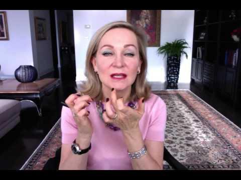 Как правильно использовать макияж чтобы выглядеть моложе своих лет
