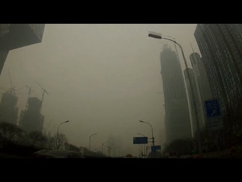 Air pollution chokes Beijing