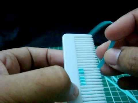 Papercraft How to make the petal of a flower using hair comb