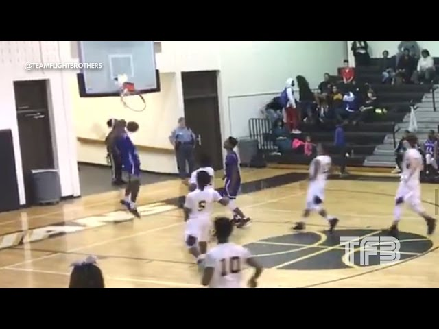 dunk-shatters-the-backboard-high-schooler-isaiah-banks-shatters-the-glass-with-his-dunk