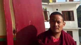 Гималаи. В монастыре, интервью с монахом Ревалсар.(27.10.15. Приехали на озеро Ревалсар и утром зашли посмотреть монастырь. Главный храм был закрыт, но монах, увид..., 2015-10-31T07:52:26.000Z)