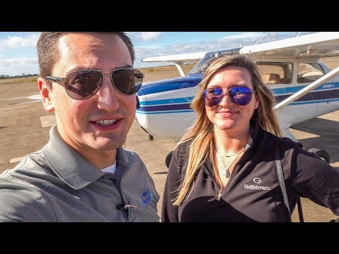 FLYING the BUSY Houston Bravo for Seafood - Cessna 172