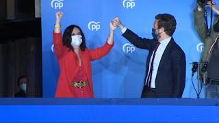 Ayuso arrasa en los comicios y sitúa al PP al borde de la mayoría absoluta en Madrid