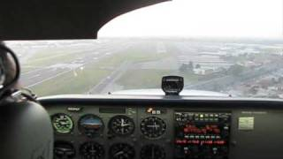 Parallel Cessna 172 Landing in Hayward, California