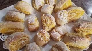 Очень нежное и не обычно вкусное печенье с апельсиновой начинкой.