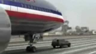 Un avion sur l'autoroute