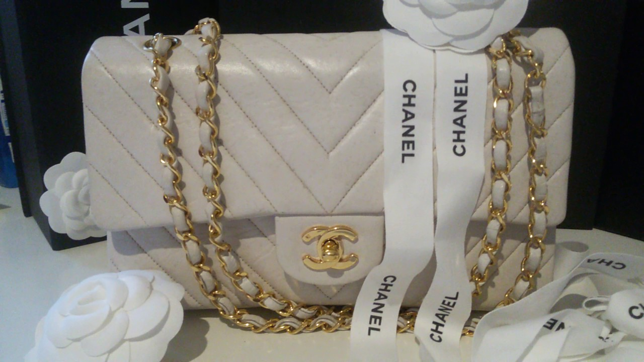 608288c1fe1a CHANEL VINTAGE CLASSIC FLAP IN WHITE LAMBSKIN WITH CHEVRON STITCHING GOLD  24K GOLD HARDWARE