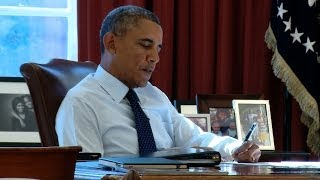 Repeat youtube video Behind the Scenes with President Obama: SOTU Speech Prep