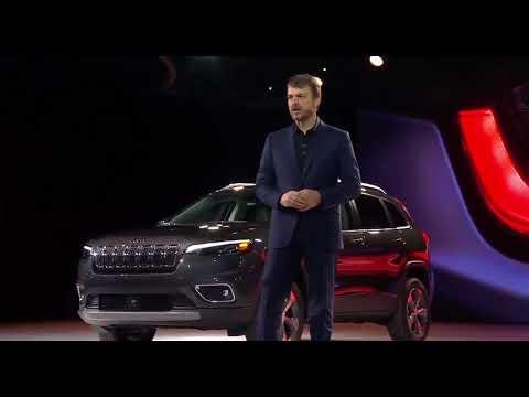 Mike Manley, nuovo AD FCA, alla presentazione della Jeep Cherokee 2019