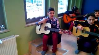 KKM Çocuk Kulübü Gitar Dersi
