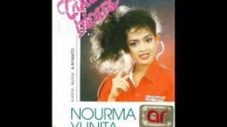 Nourma Yunita - Fajar Kelabu