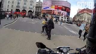 Video Rewind - Pedestrians download MP3, 3GP, MP4, WEBM, AVI, FLV Agustus 2017