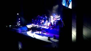 Янни Хрисомаллис Москва 09 апреля 2013(В рамках мирового тура 2012 - 2013 гг. в России выступил легендарный композитор и мультиинструменталист Янни..., 2013-04-09T22:28:25.000Z)