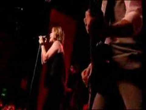 "Kelly Clarkson - ""How I Feel"" Music Video"