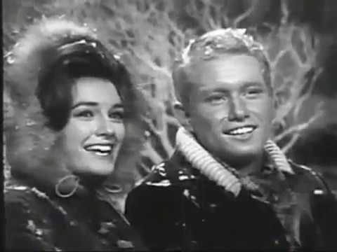 Kathy Lennon & Steve Smith with Silver Bells