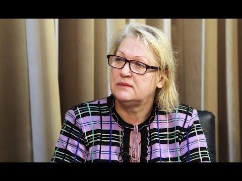Смотреть Ольга Артеменко: «Выдавливание русского языка ведет к исходу русских из республик РФ» онлайн