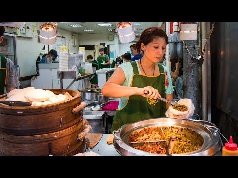 Taiwanese Pork Belly Sandwich at Lan Jia Gua Bao (藍家割包) - FAMOUS Taiwanese Street Food in Taipei!