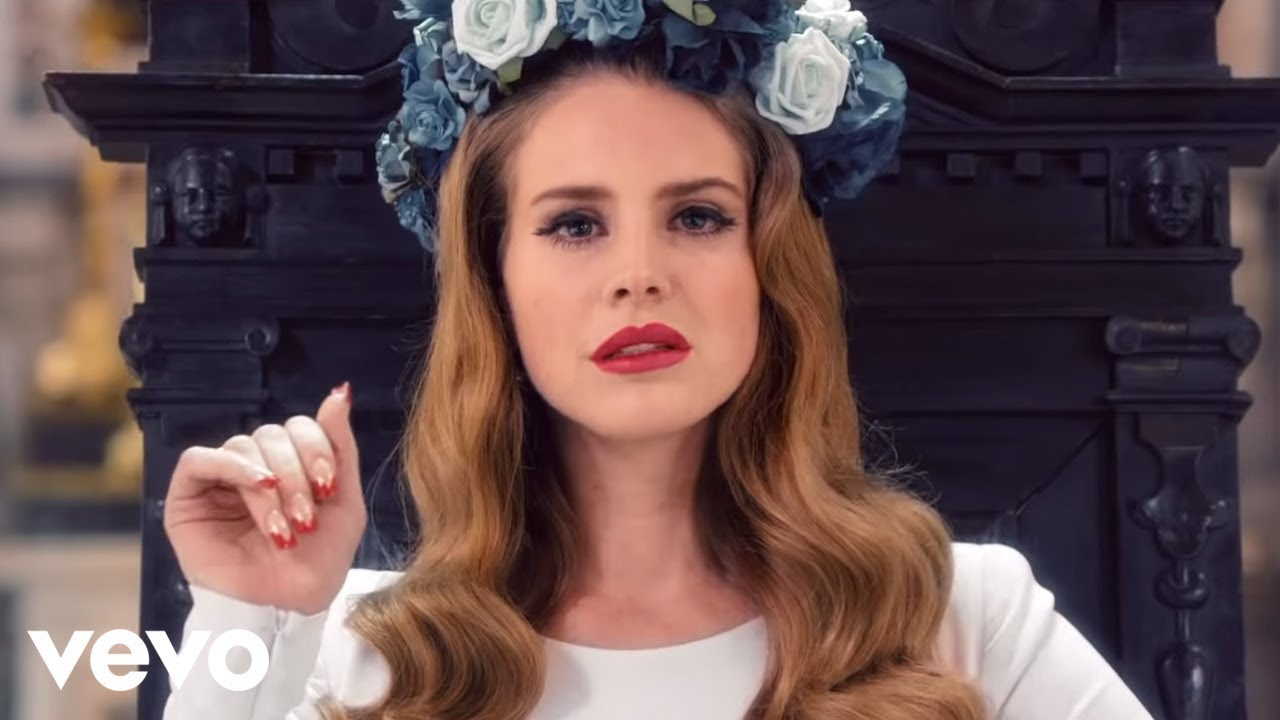 Lana Del Rey Photoshoot Hot Bikini Pictures HD