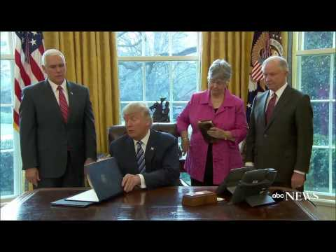 Trump Signs 3 Crime-Related Executive Actions
