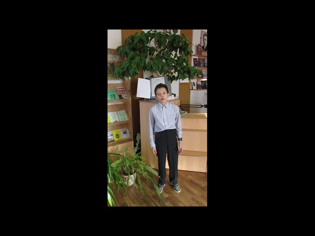 Изображение предпросмотра прочтения – АндрейИноземцев читает произведение «Маленькие люди» Т.Лаин