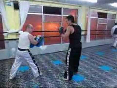 Thai boxing haciendo paos con javi gimnasio noru youtube for Gimnasio noru