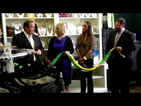 RIBBON CUTTING CEREMONY The Sassy Peacock Downtown Boutique 8.14.12