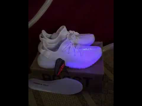 Review Giày Sneaker Adidas Yeezy Cream White | PK GOD Việt Nam