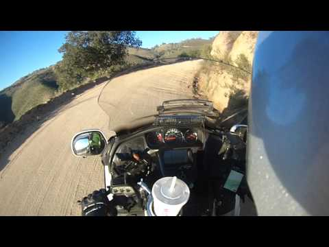 Goldwing Insanity-Gonzales to Pinnacles via dirt road!!!