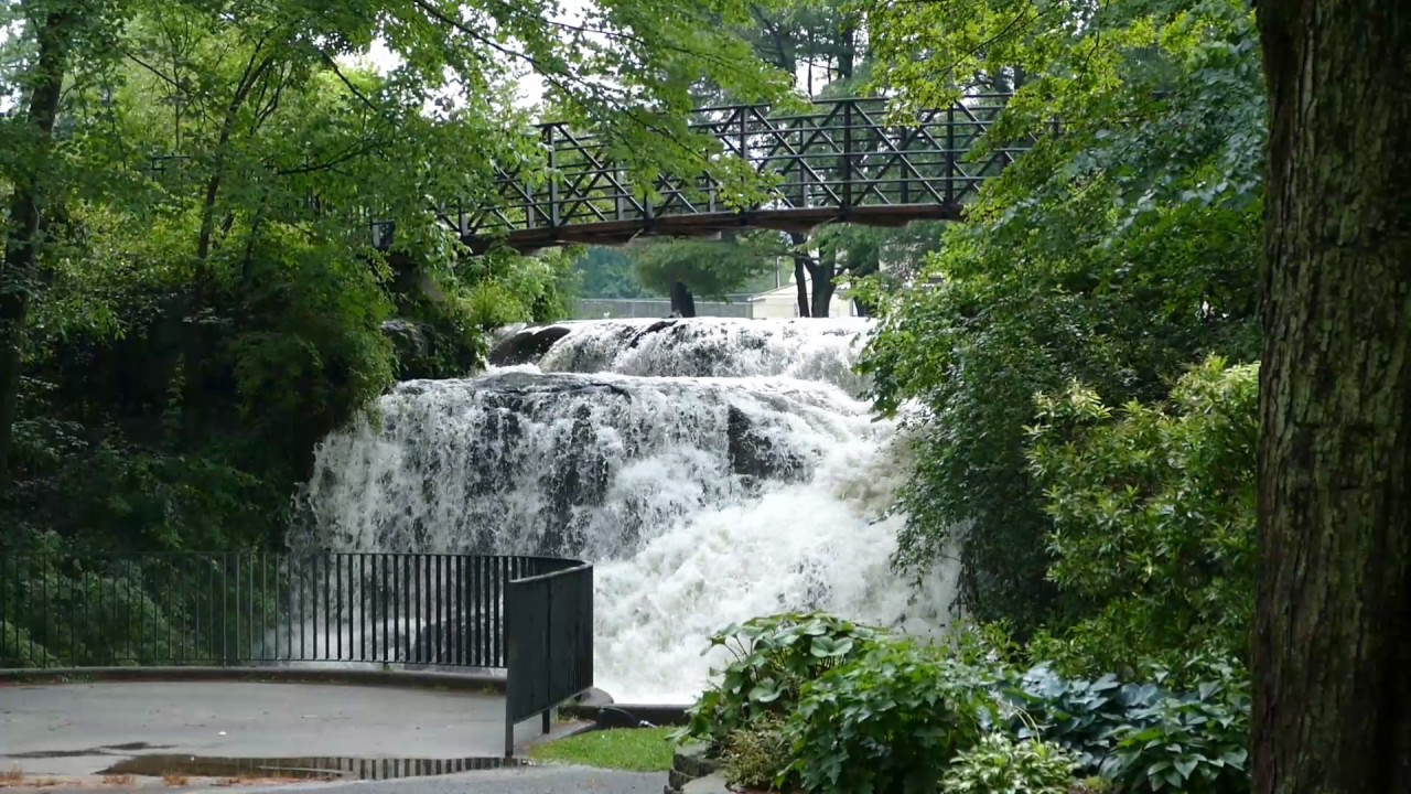 World S Smallest Waterfall Mill Pond Park Newington Ct