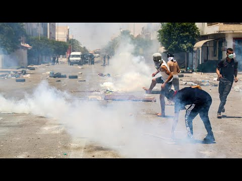 تونس: تجدد الاشتباكات بين قوات الأمن ومحتجين ودعوة إلى إضراب في تطاوين  - 14:59-2020 / 6 / 22