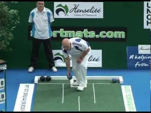 Greengauge Shortmat Bowls Challenge - Alex Marshall M.B.E. V's Lawrence Moffat (Match 2, Part 1)