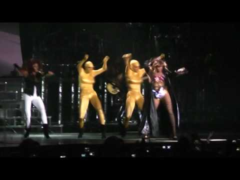 Beyoncé - Sweet Dreams (Interlude) & Diva Live In Athens,Greece (I Am...Tour) @ O.A.K.A. 11/08/09