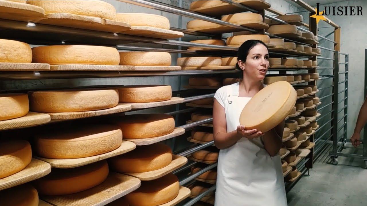 Fabrication du Fromage à Raclette du Valais