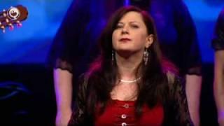 Louiza Saitova mei Rêden troch muzyk