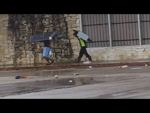 Thugs Caught Looting Stores In Houston Stealing TV's & Weave During Tropical Storm Harvey