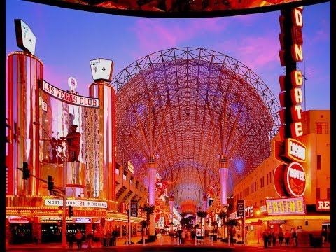 Saturday night on Fremont street Las Vegas~ What is it like on Fremont street.