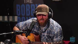 Download Arkansas Oil Worker Gets Chance To Sing On National Radio Mp3 and Videos