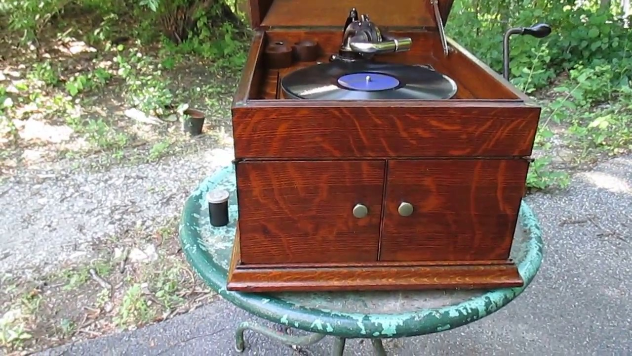 File:RCA Victor Victrola 1950 phonograph cabinet with original ...
